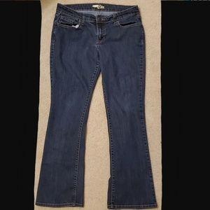 Old Navy Diva Flare Jean's Dark Wash 8 Short
